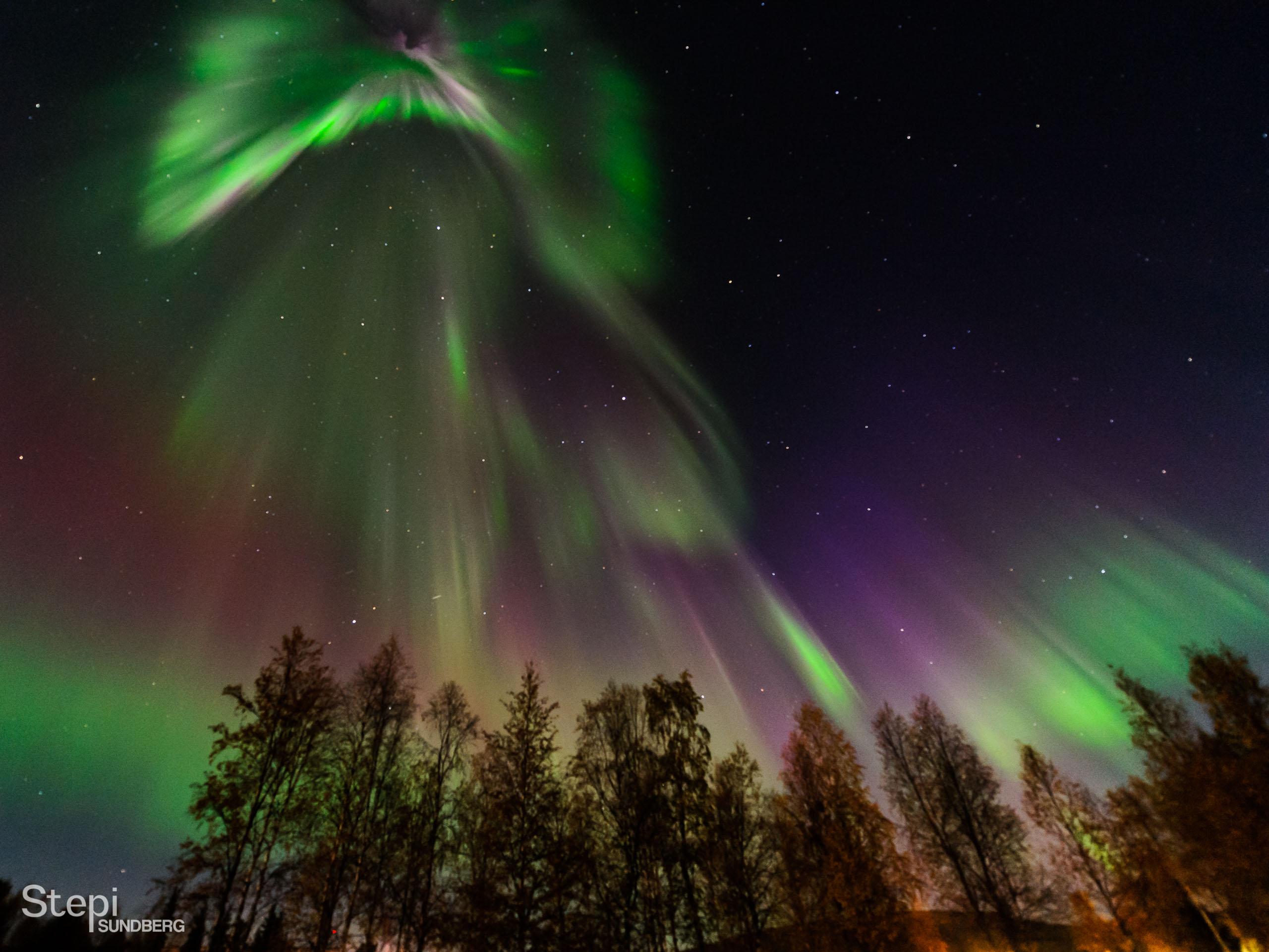 Valokuvaaja Stepi Sundberg luontokuva revontuli